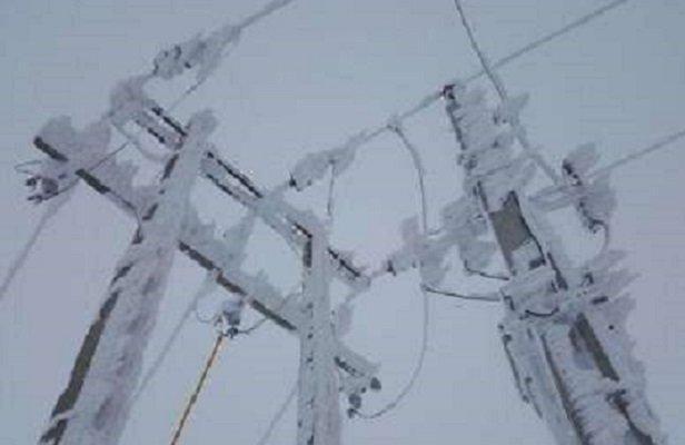 50نقطه مرکزی بر اثر برف دچارقطع برق شد، اعزام 19اکیپ برای برطرف مشکل