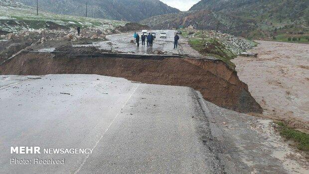 راه ارتباطی 20 روستای معمولان قطع شد