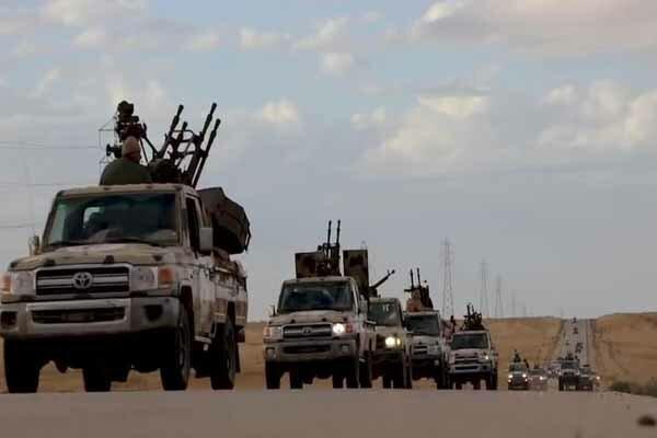 کنترل فرودگاه طرابلس در دستان نیروهای حفتر