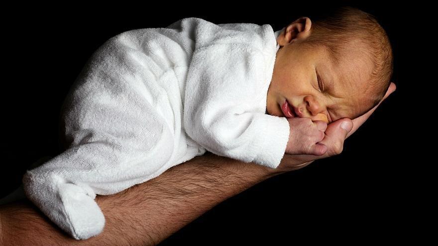 تولد نوزاد پسر در یونان با سه ماده ژنتیکی