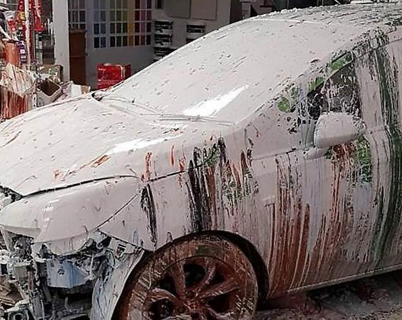 فاجعه ای که راننده ایرلندی در فروشگاه رنگ به بار آورد