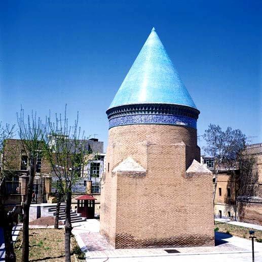 بنای تاریخی حمدالله مستوفی در معرض خطر