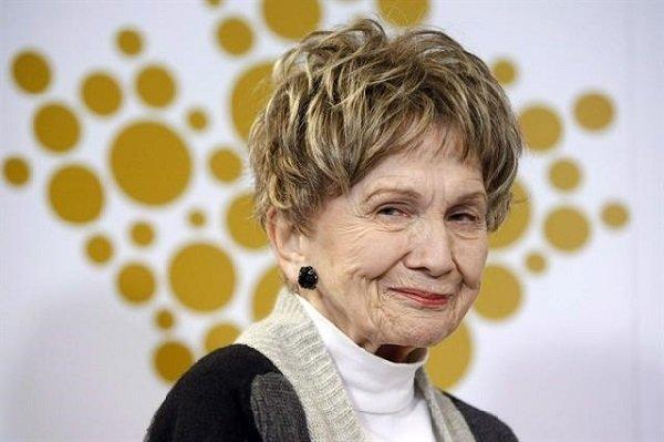 دغدغه های اجتماعی خانم نویسنده، در ستایش 90 سالگی آلیس مونرو