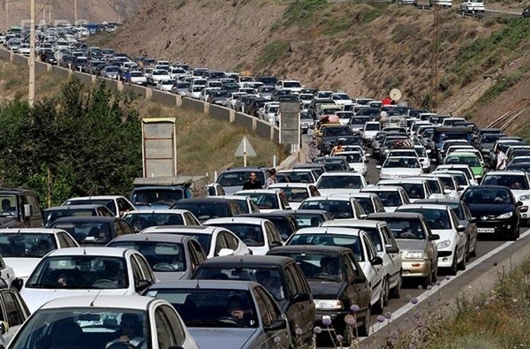 هجوم مسافران به جاده چالوس